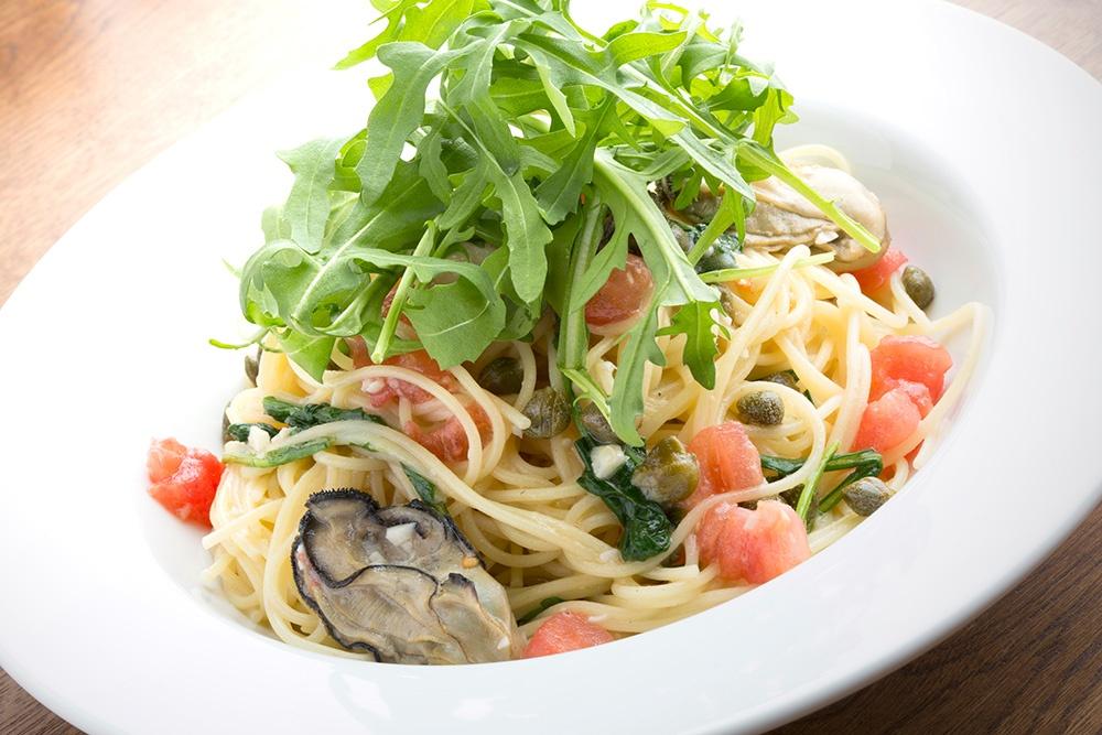 牡蠣とルッコラのパスタ